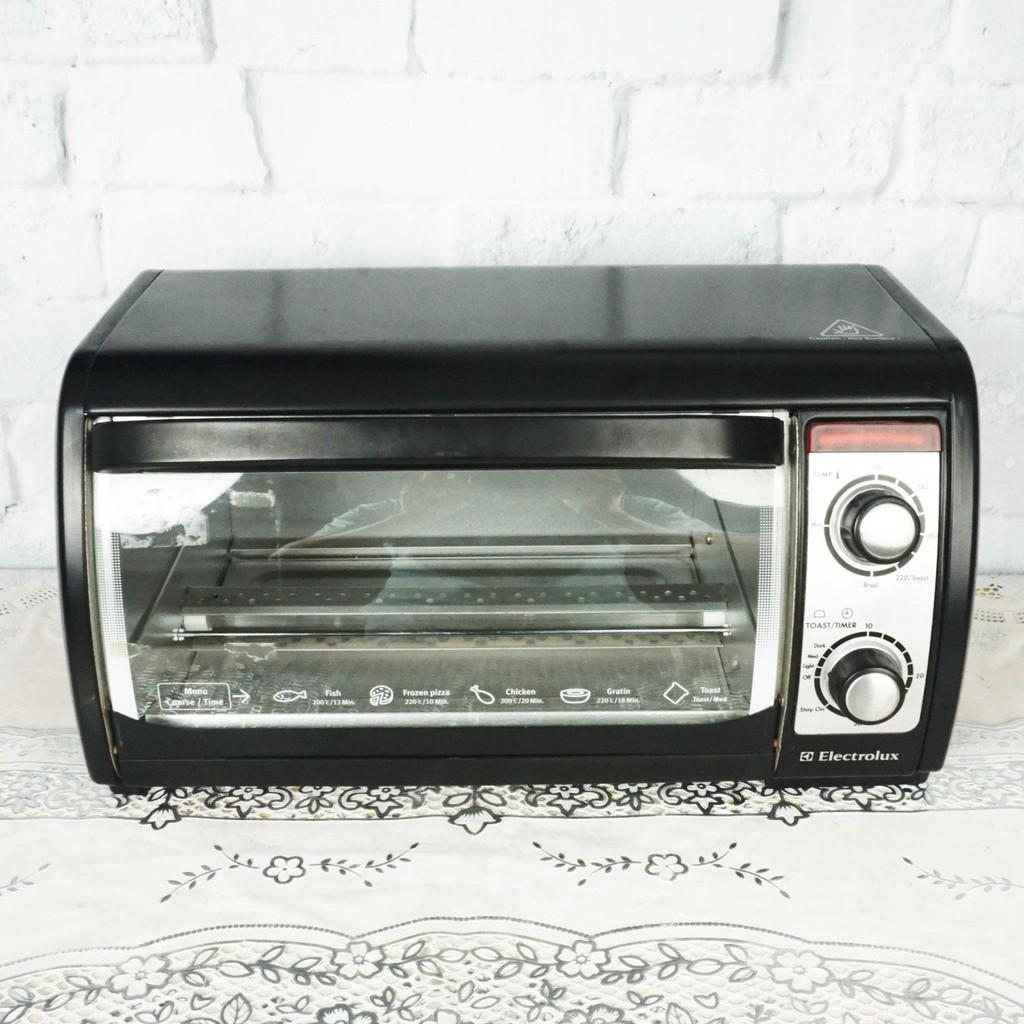 Lò nướng bánh 10 lít Electrolux EOT - 3000 chính hãng bảo hành toàn quốc