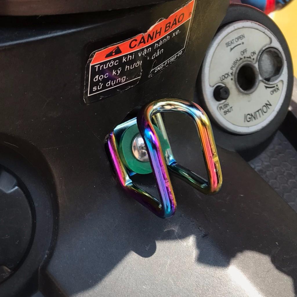 Móc Treo Đồ 7 màu TiTan Gắn Xe máy , Xe Điện Cực Đẹp < Tặng kèm Ốc Bắt>