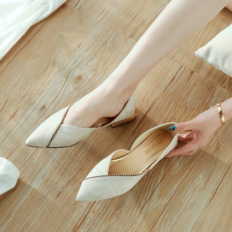 【จัดส่งฟรี】งรองเท้าแบนเคลือบแบนกับรองเท้าส้นเตี้ยขี้เกียจรองเท้าผู้หญิงรองเท้าแบน