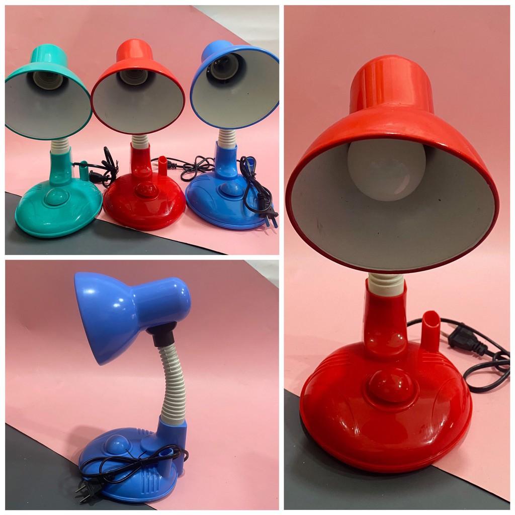 [TẶNG BÓNG] Đèn bàn học kiểu hình tròn màu sắc ngẫu nhiên dùng điện 220v cắm trực tiếp