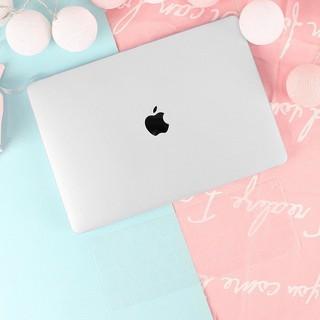Case,Ốp Macbook Màu Trong Kèm Lót Phím(Tặng Kèm Bộ Nút Chống Bụi & Bộ Chống Gãy Sạc) thumbnail