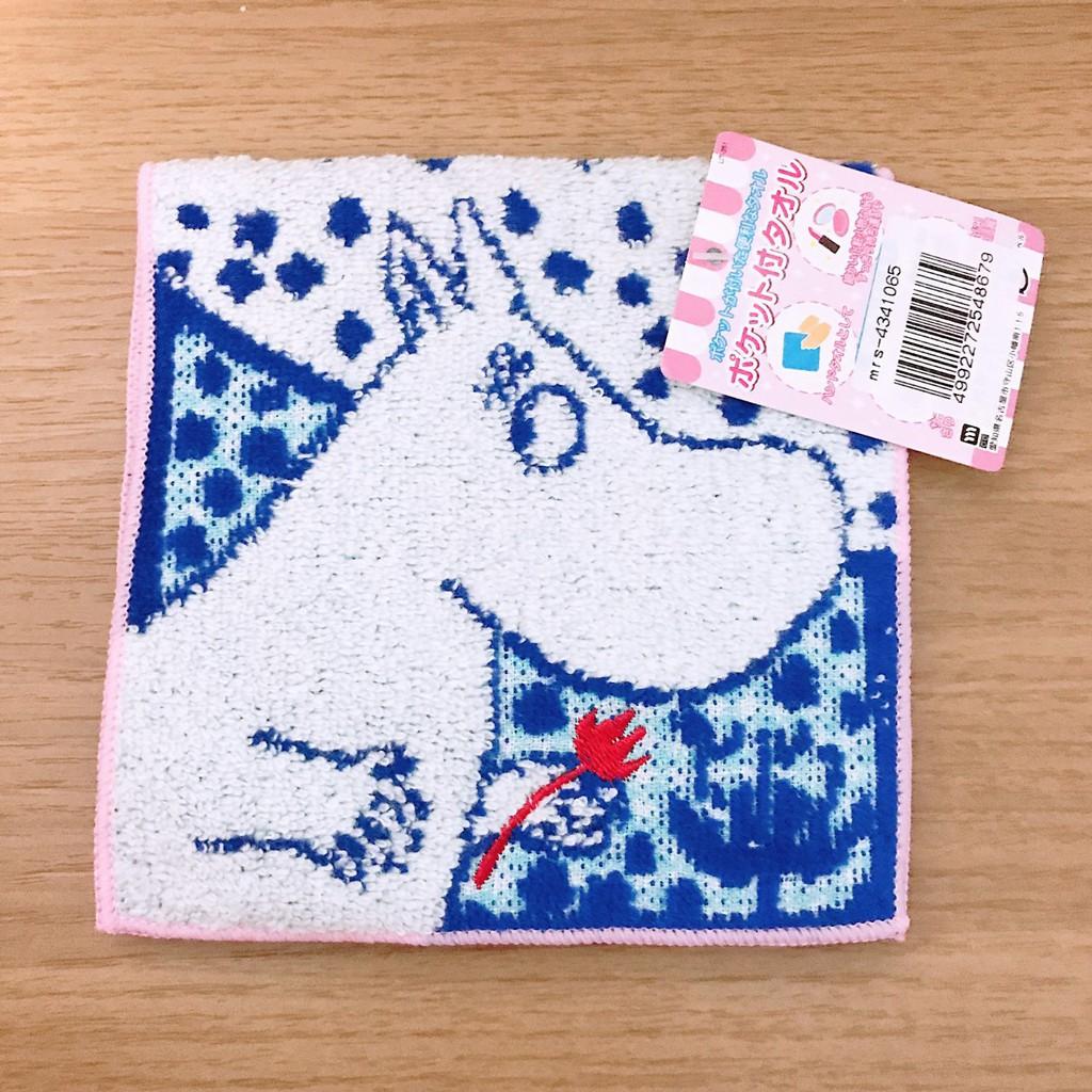 ‼️ขายขาดทุนทั้งร้าน‼️มูมินผ้าเช็ดหน้า Moomin 2in1 พับครึ่งเป็นกระเป๋าได้ ใส่ของกระจุ๊กกระจิ๊ก ลายดอกไม้แดง