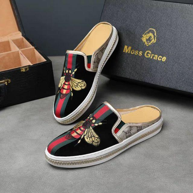 (2 màu hót) giầy sục nam thời trang thêu ong GC chất đẹp đen xanh và đen vàng
