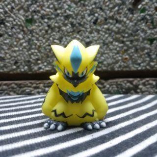 Mô hình pokemon_Kid Zeraora