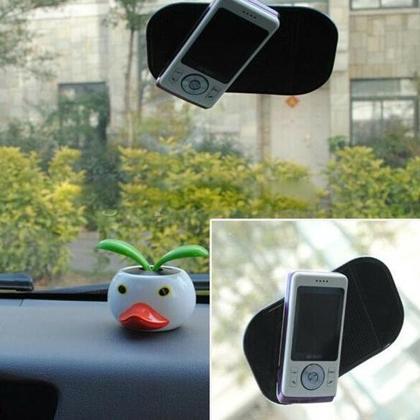 Giá đỡ điện thoại trên ô tôFREESHIPMiếng silicon hít điện thoại cho xe hơi  tiện lợi 4268