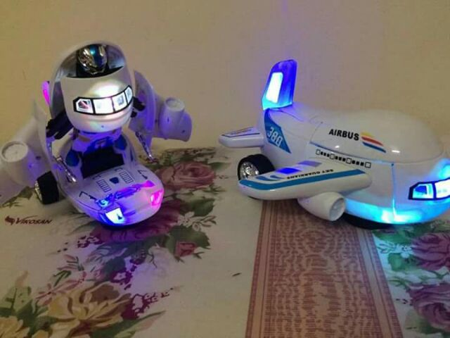 Máy bay virus biến hình