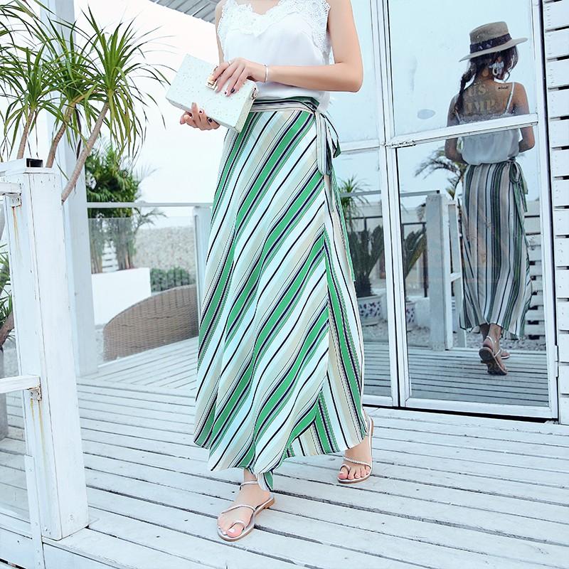 Chân váy xòe họa tiết kẻ sọc phong cách Bohemia dành cho nữ