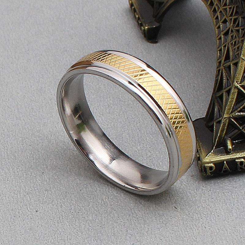 Nhẫn nam Thép Titan mạ vàng giữa phong cách Châu âu RB30