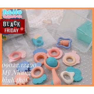 Đồ chơi xúc xắc treo nôi cho bé - Chất liệu nhựa silicone an toàn thumbnail