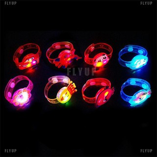 Đồng hồ đeo tay có đèn LED sáng tạo cho bé