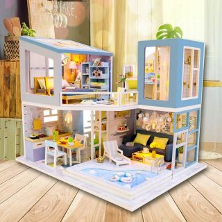 Kèm Mica và keo dán – Mô hình nhà gỗ búp bê Dollhouse DIY – M910 Frist Meet
