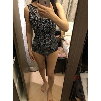 Bikini 1 mảnh khoét lưng ( kèm hình khách mặc)