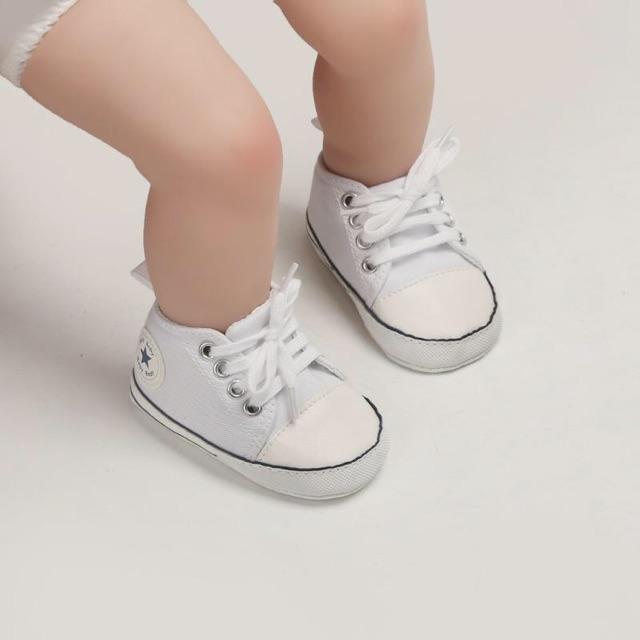 Giày tập đi - converse