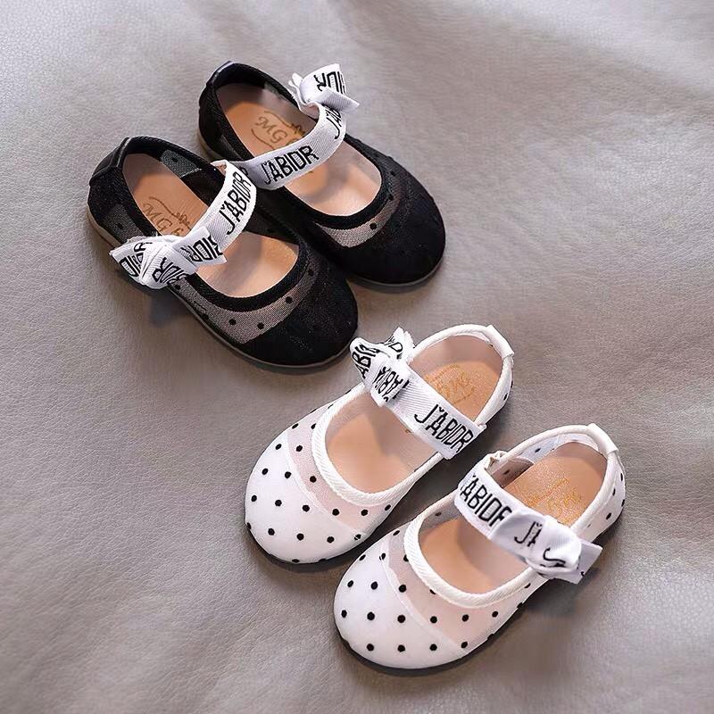 giày cho bé - Giầy búp bê chấm bi cho bé gái phong cách Vitage Hàn Quốc có quai dán cho bé gái dễ thương  v356