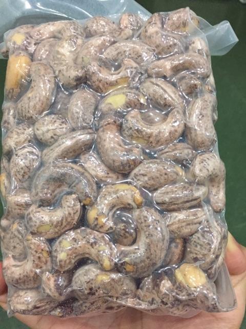 [Mã GROSALEHOT giảm 8% đơn 250K] Combo 2 túi (1kg) hạt điều rang muối Bình Phước loại 1 hút chân không (500gr/túi)