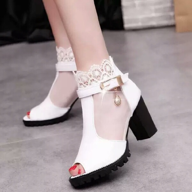 Giày hở quảng châu thoáng mát ôm chân mẫu mới