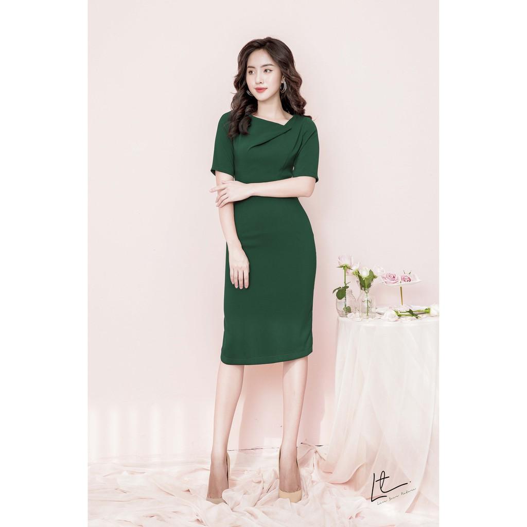 Mặc gì đẹp: Tinh tế với Váy ôm tối giản Lyntran Design sang trọng với tay lỡ và cổ cách điệu