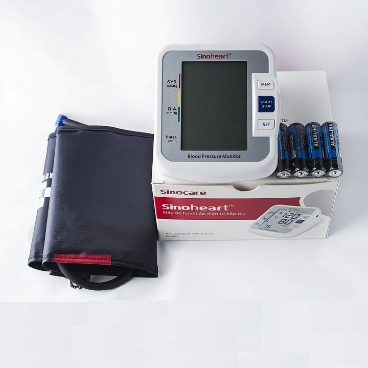 Máy đo huyết áp điện tử bắp tay Sinoheart BA-801 công nghệ Đức cho độ chính xác cao, dễ sử dụng
