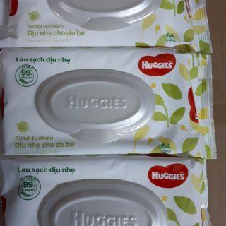 Combo 10 gói khăn ướt Huggies 64 tờ