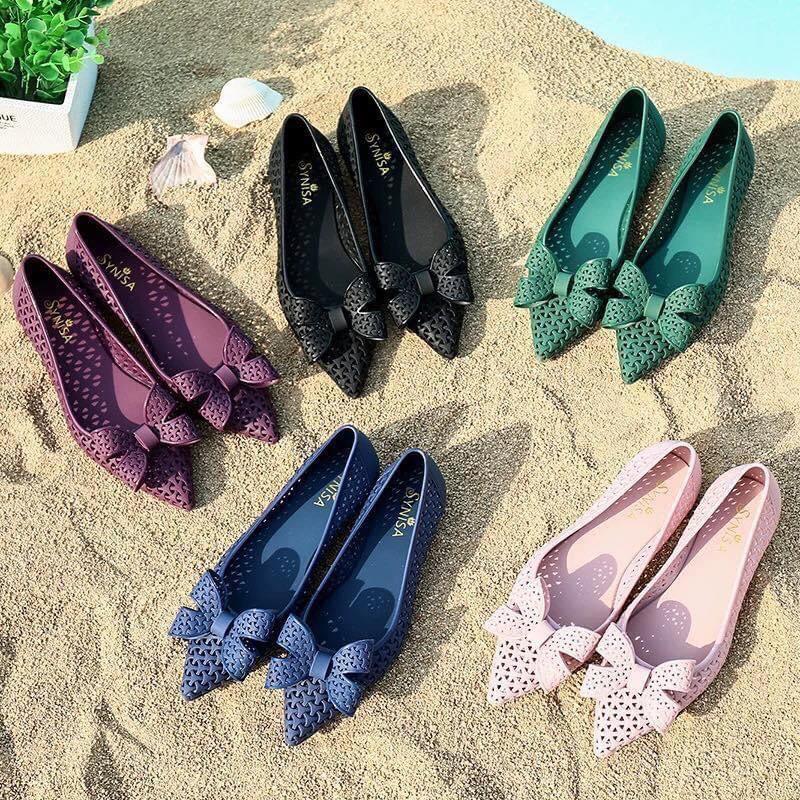 Giày Nhựa Đi Mưa  Mũi Nhọn 3 Màu Phù Hợp Đi Biển Đi Dạo Cho Các Bạn Nữ