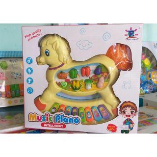 Đàn piano hình chú Ngựa
