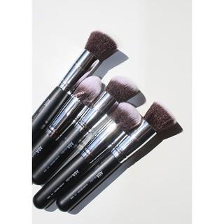 Cọ Trang Điểm AOA Make Up Brush thumbnail