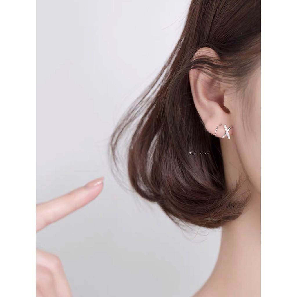 Khuyên tai bạc xoắn nạm đá Tlee bạc nguyên chất