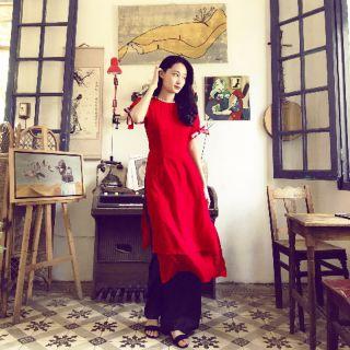 Áo dài đỏ 4 tà cách tân