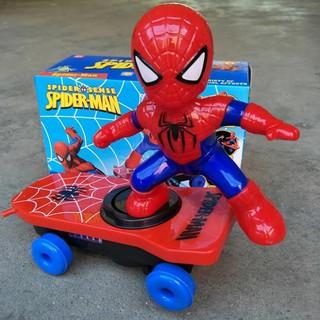 Đồ chơi người nhện trượt ván 360 độ cho bé