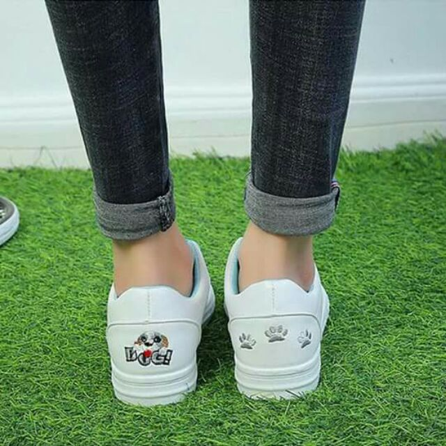 Giày sneaker dog trắng