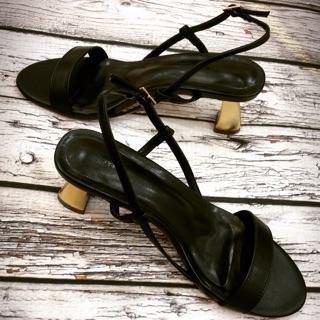 giày sandanl nữ cao gót quai mãnh