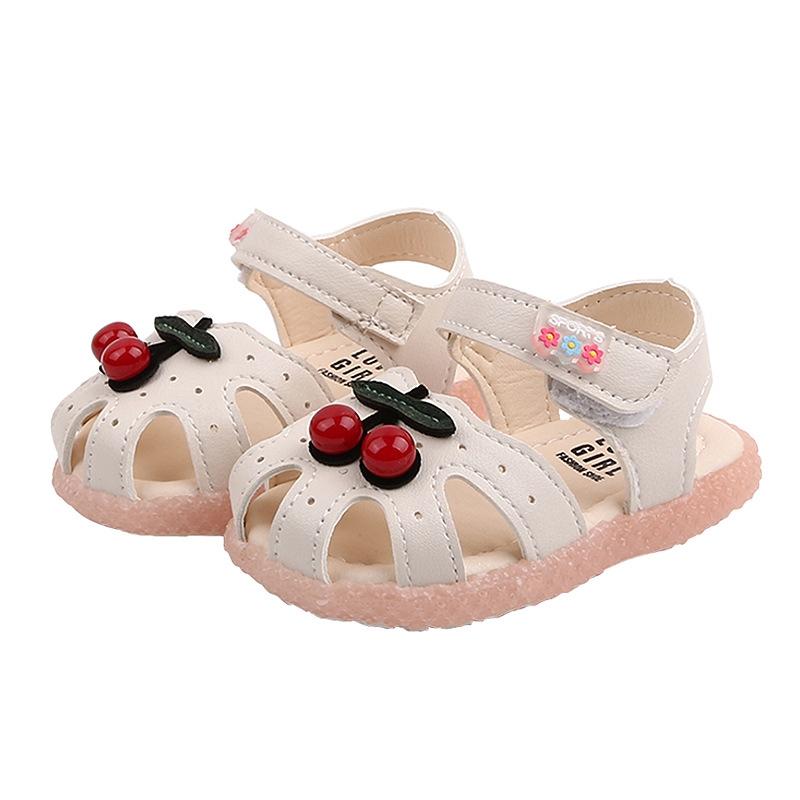 Giày trẻ em kiểu dáng dễ thương đáng yêu
