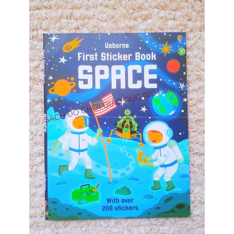 Sách - Usborne First sticker book Space - Sách bóc dán