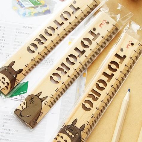 Thước gỗ Totoro