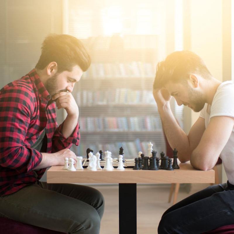 Bộ cờ vua ( Đen - Trắng ) có Nam Châm từ tính Dùng Thi Đấu Giải Quốc Tế, Cờ Vua đồ chơi giáo dục