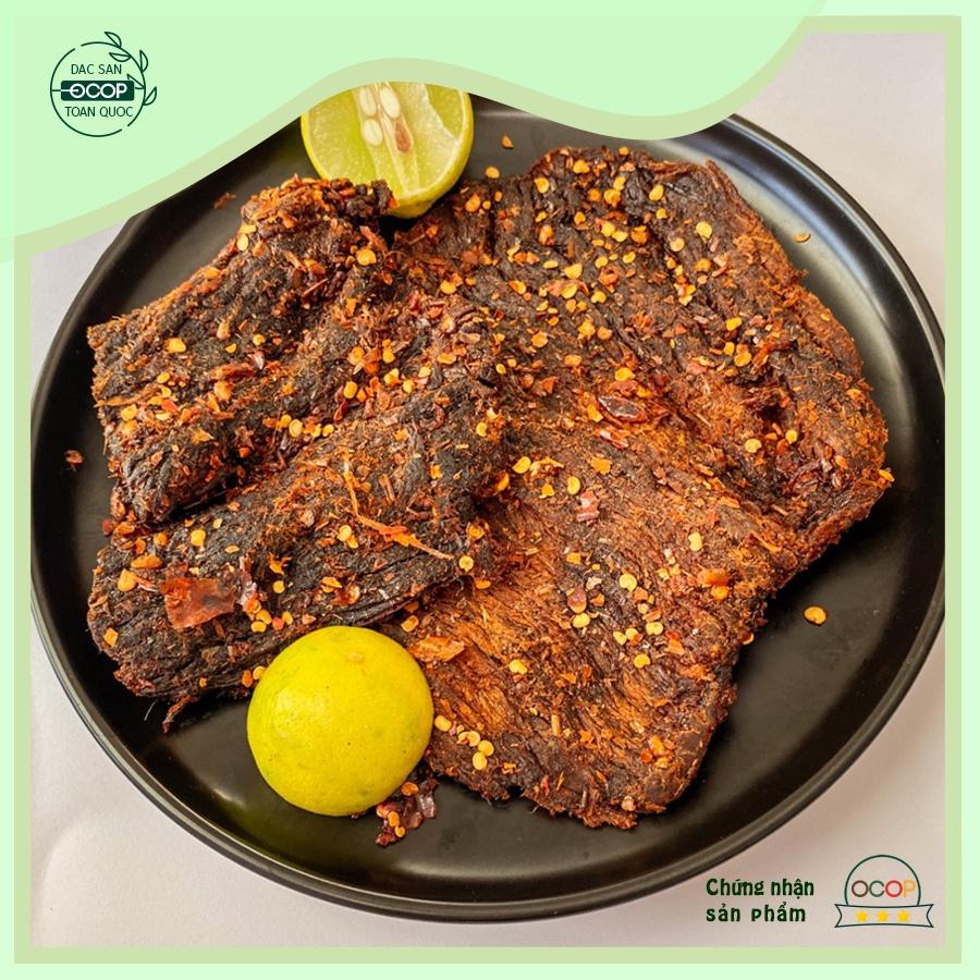 Bò khô Tùng Phương Gia Lai, đồ ăn vặt - Bò khô dạng miếng ăn liền, thơm ngoan đậm vị trên từng thớ thịt