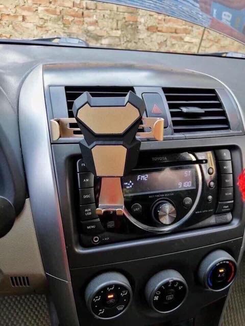 Kẹp điện thoại, giá đỡ điện thoại trên ô tô xe hơi