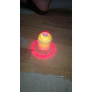 Đồ chơi trẻ em đồ chơi thông minh con quay minion phát nhạc phát sáng