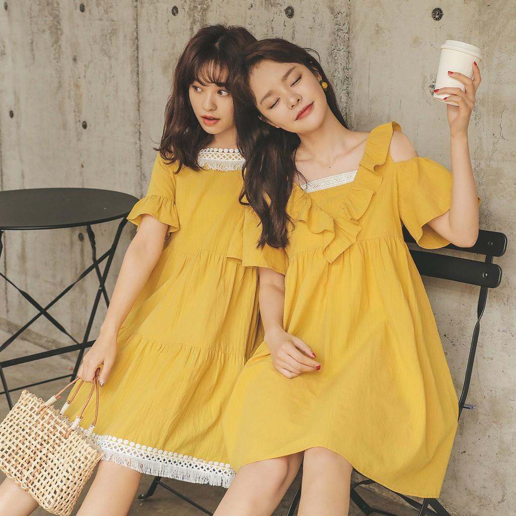 Đầm vàng 2 kiểu (thích hợp mặc đôi với bạn)