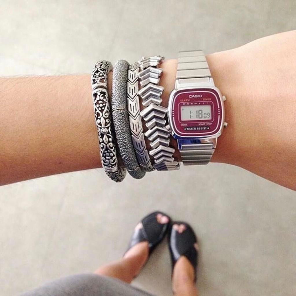 Đồng hồ nữ dây kim loại chính hãng Casio LA670WA-4DF