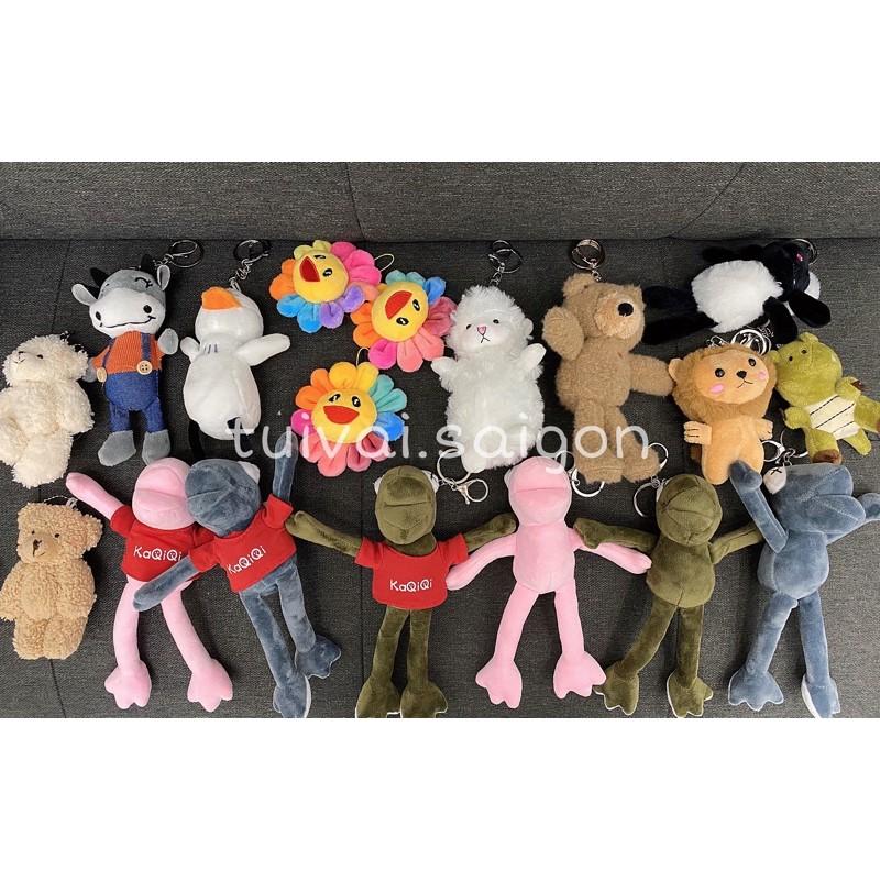 Các loại móc khoá găn balo, túi  ( hoa mặt trời, ếch xanh, gấu, dê .. )