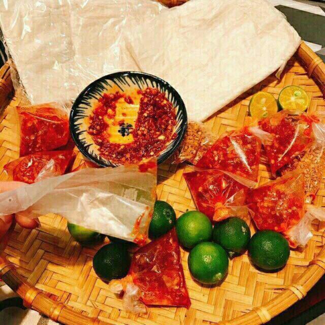 Bánh tráng sa tế ớt chua cay - 15174307 , 1075983559 , 322_1075983559 , 10000 , Banh-trang-sa-te-ot-chua-cay-322_1075983559 , shopee.vn , Bánh tráng sa tế ớt chua cay