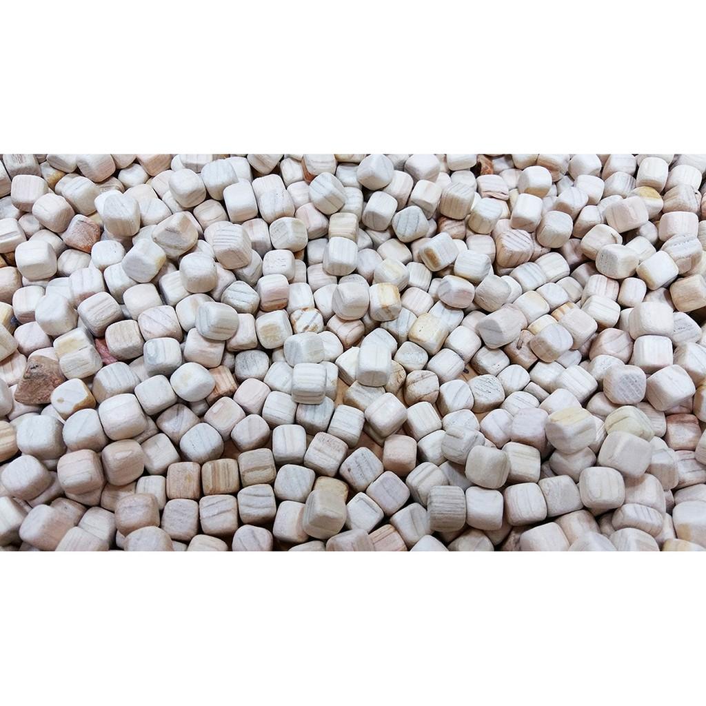 Hạt gỗ xúc cát (1kg)