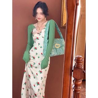 Đầm lụa hai dây họa tiết hoa vintage cổ chữ V