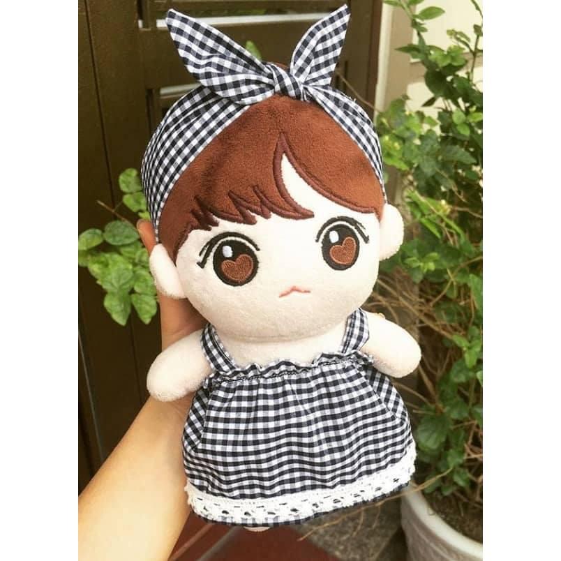 Váy Caro Ren kèm theo nơ cho doll