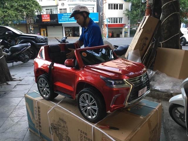 Xe ô tô điện Lexus LX570