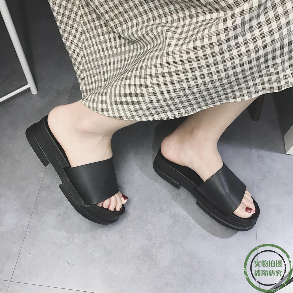 ♥New spot ♥Korea simple solid color platform slippers female