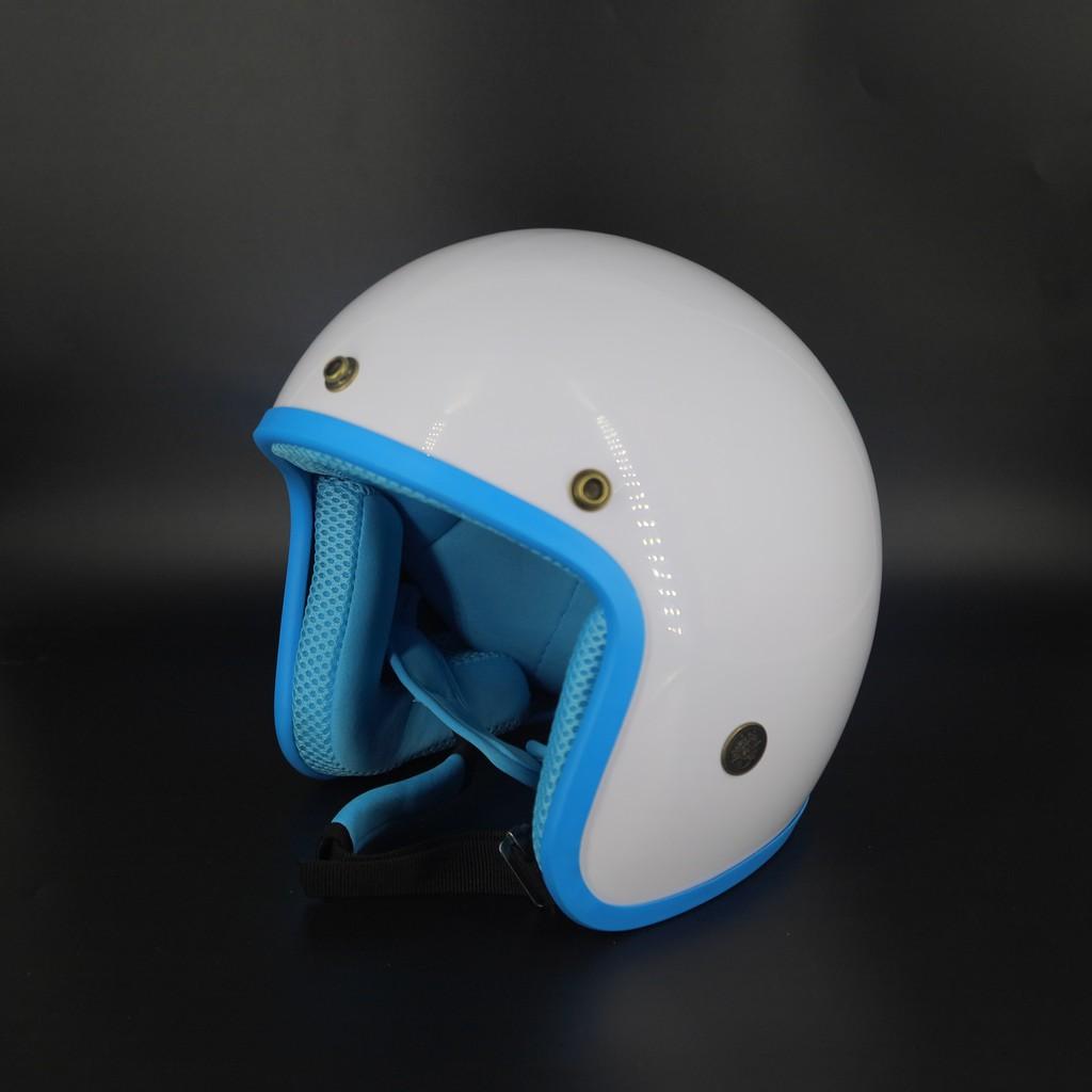 Mũ bảo hiểm 3/4 trắng lót hồng - lồng thoáng khí - khử mùi - kèm lưỡi trai