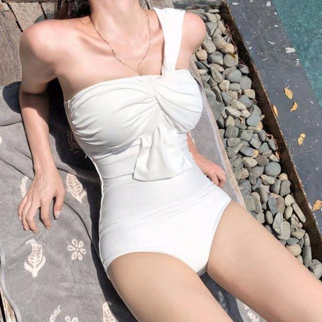 Bikini liền thân lệch vai chéo vai nhiều màu đủ size nâng ngực (Ảnh tự chụp)