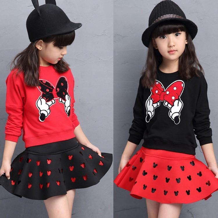 Set áo cổ tròn tay dài + chân váy họa tiết chuột Mickey dễ thương cho bé gái